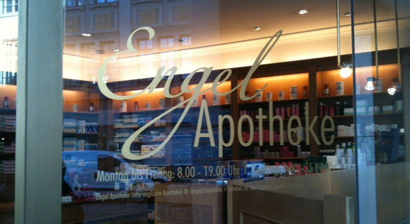 CORPORATE DESIGN ENGEL APOTHEKE MÜNCHEN